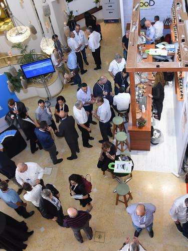תערוכה בלובי מלון הרודס בוטיק