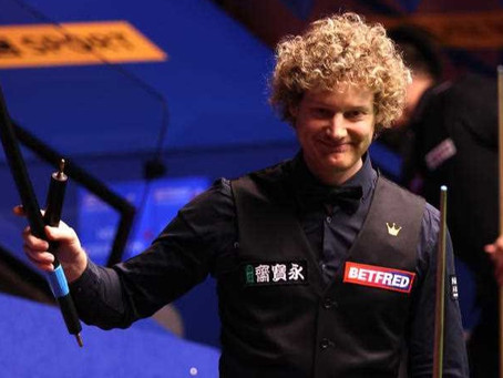 Robertson dressed to kill in snooker World Cup fast break