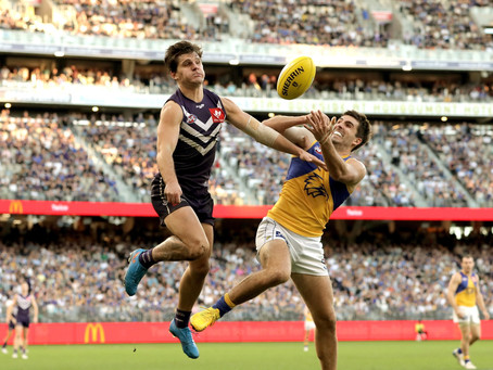 Perth the 'hot favourite' to host AFL Grand Final as Melbourne remains locked down