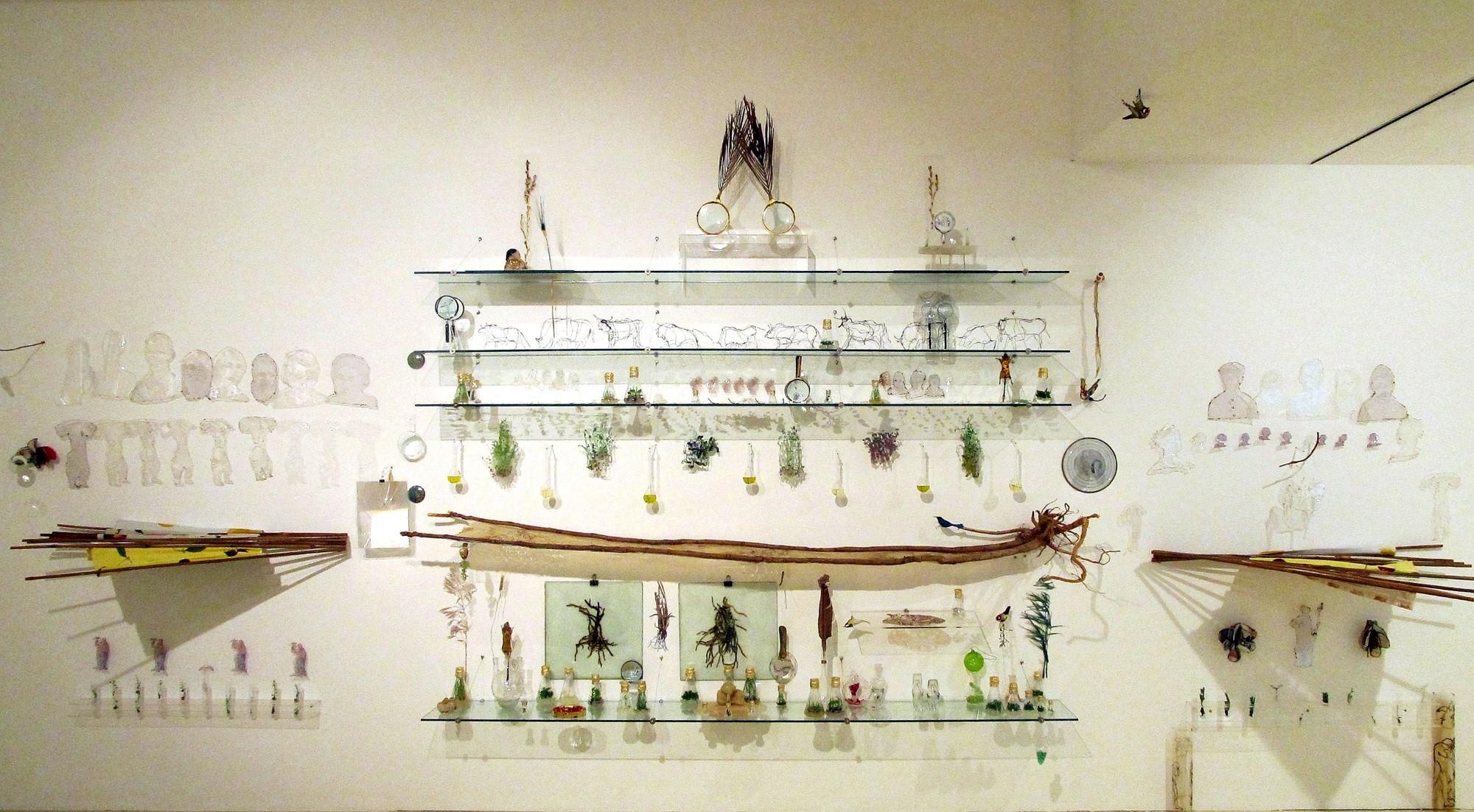 אדמה שקופה,2012, טכניקה מעורבת,800 x300 סמ
