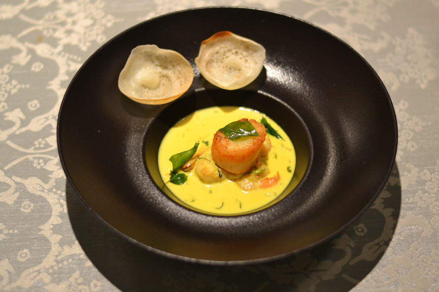Scallops with prawn moilee