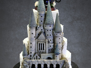 Hidden Hogwarts wedding cake