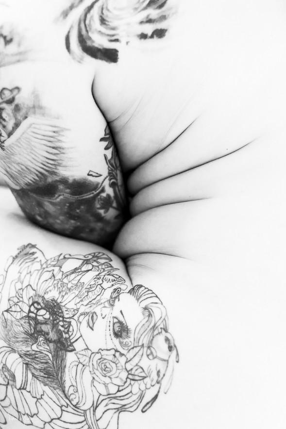 צילומי עירום - קעקועי גוף