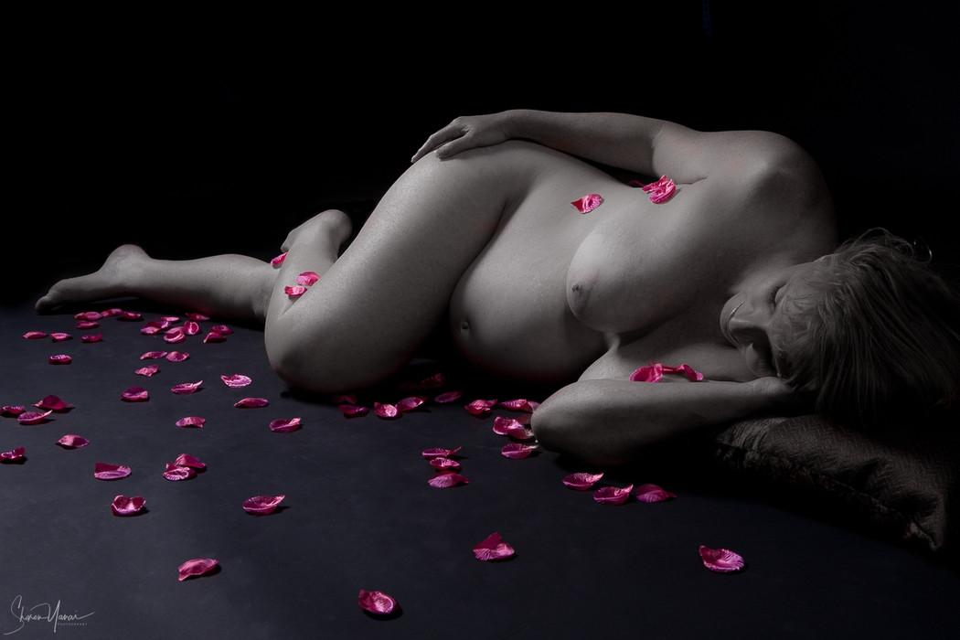 צילום הריון אומנותיים