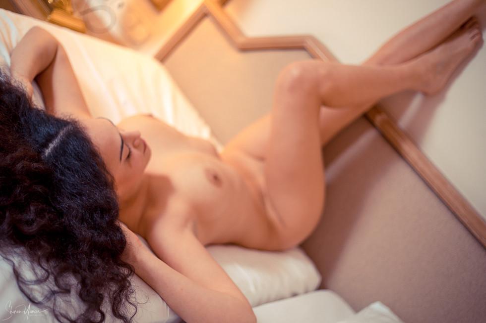 נשיות-צילום עירום אמנותי