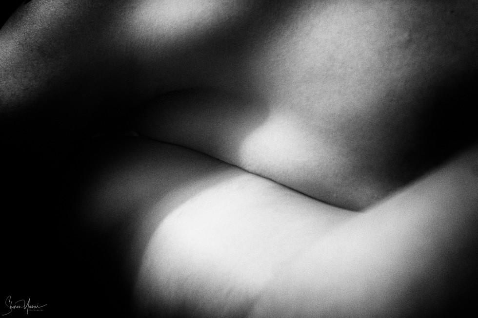 צילום זוגי-כשגוף נוגע בגוף