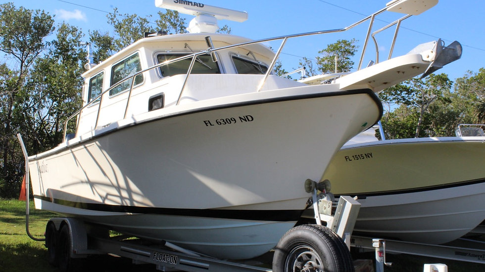 2006 Parker 2530 Pilothouse