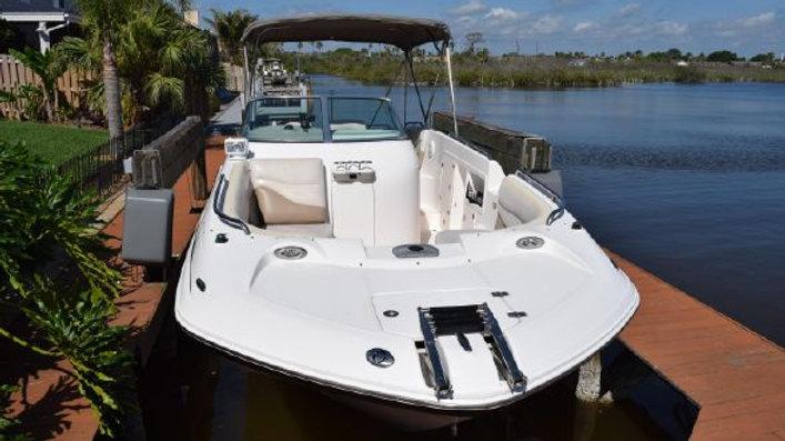 2005 Hurricane 260 Deck Boat