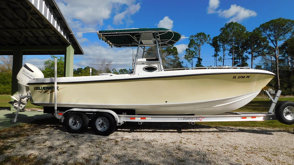 Bluewater 2550 Center Console