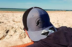 Surfstylefever Cap am Strand.jpg