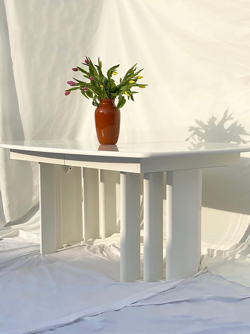 White lacquered wood dining table