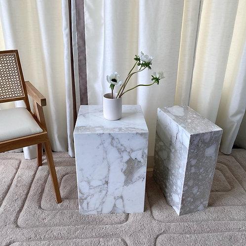 'Salt' marble plinths
