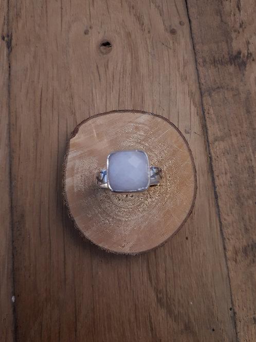 Bague Solo Pierre de Lune carrée à facettes