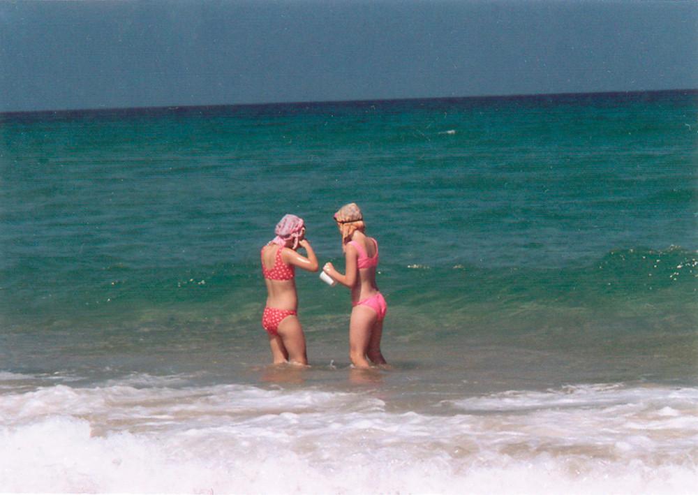 EinatAG-rp-29-girls in sea.jpg