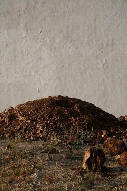 34-Einat Arif-Galanti-soil and wall.jpg