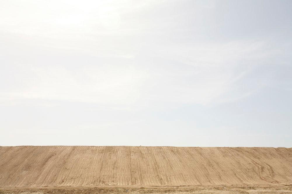 06-Einat_Arif-Galanti-hill_n_sky.jpg
