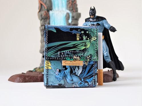 BATMAN & CATWOMAN Zigaretten Hülle HUSH DC Comic upcycling Unikat (vorne)