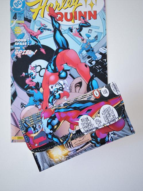 HARLEY QUINN Tabaktasche DC Comic upcycling Unikat (vorne)