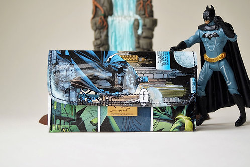 BATMAN Tabaktasche DC Comic upcycling Unikat (vorne)