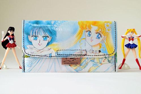 SAILOR MOON Tabaktasche Manga Artbook upcycling Unikat (vorne)
