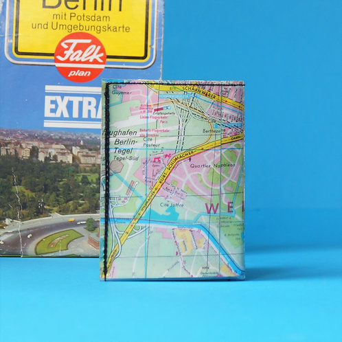 Portemonnaie BERLIN MITTE & WEDDING Stadtplan upcycling Unikat (vorne geöffnet)
