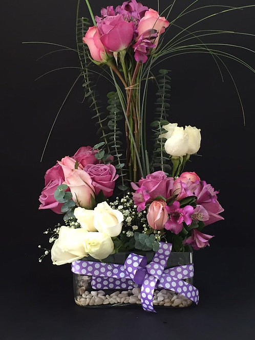 Rosas Diversas, con base decorativa