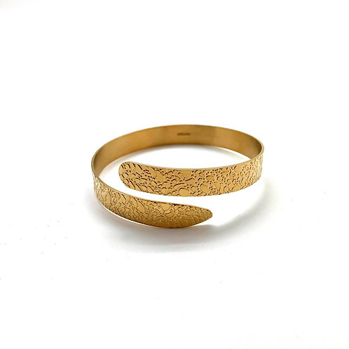 "18 kt gold-plated cuff bracelet ""Adeje"""