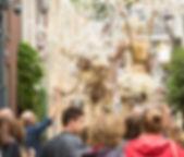 Jelicious amazing stilt acts stelten voorstelling Jelicious stelten act Arbres D or gouden bomen Jelicious Jelicious Golden trees stilt act stelten voorstelling Jelicious stelten van katoen biologisch natuur act stilt art Stilts stelten events party evenementen stelten festival jelicious Jorritsma Jelleke Jelicious golden stelten act straat theater feest
