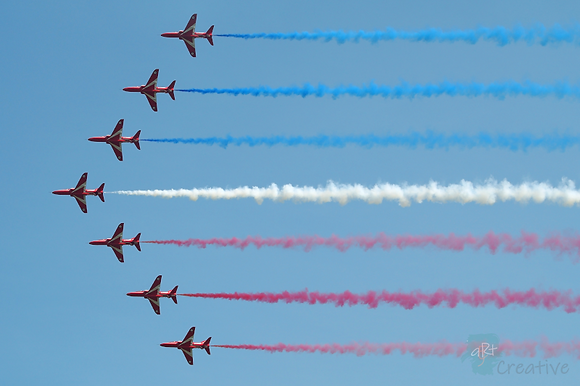 Red Arrows 1 - Robert Fry