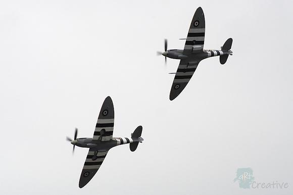 D-Day Spitfires - Robert Fry
