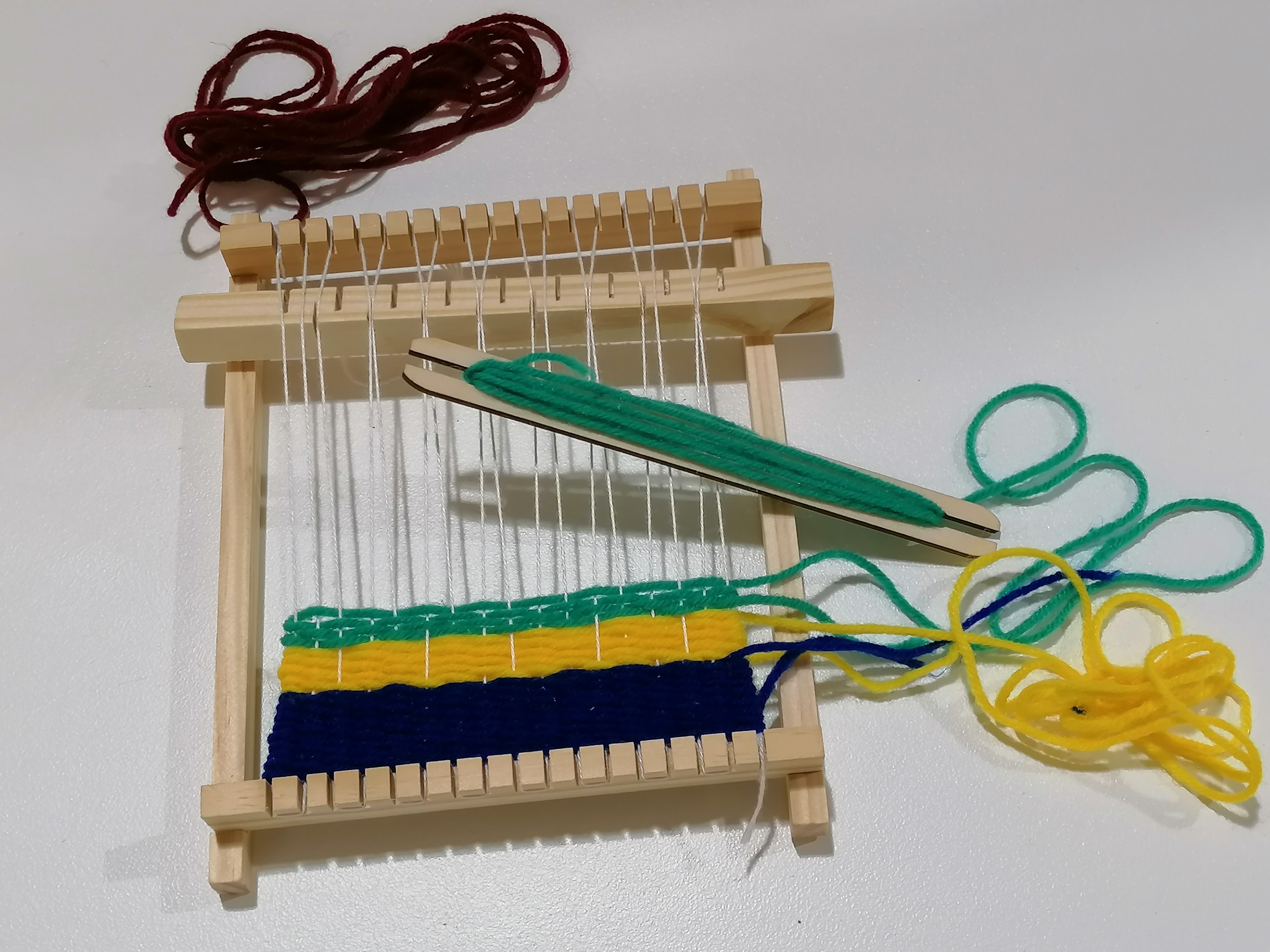 Holiday Craft Session: Weaving