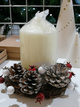 Christmas Candle Wicker Decoration