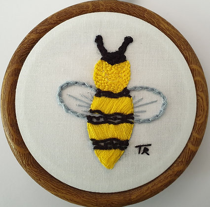 Hand Embroidery - Bee  (Mini)#011  - Takeaway Taster by TammiR