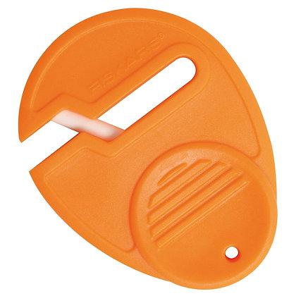 Scissors: Sharpener - Fiskars