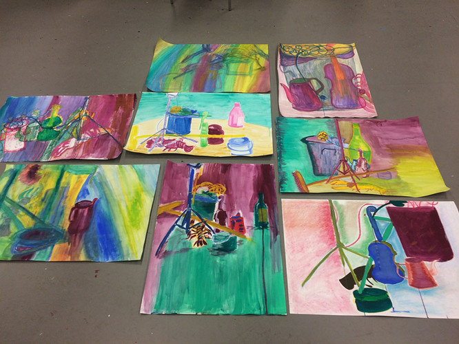 Drawing still life in line with pastel,