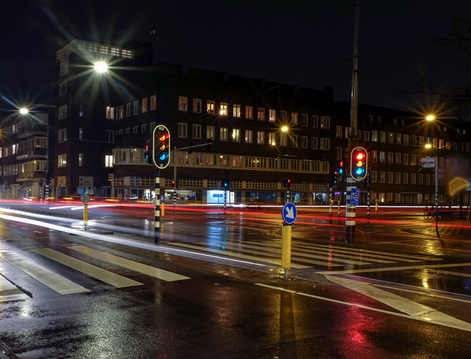 Sara - Nacht/lange sluitertijd verkeerslicht