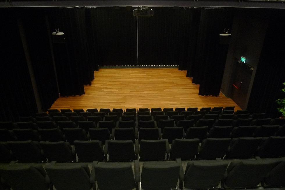 CREA-verhuur-theater-P1110983.JPG