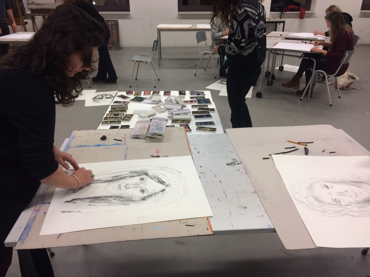 Live at CREA - drawing each others portrait