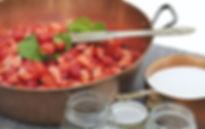 在法國,銅鍋幾乎是每個家庭必備的廚具,它是最完美的夢幻鍋具,由於它導熱速度均勻,果醬不容易燒焦,也是製作紅島BDL天然手工果醬必備的器具