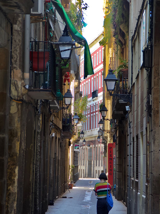Barcelona, Chica de rayas..jpg