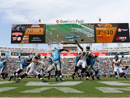 How 700 Carolina Panthers Fans Filled The Pools At The Jaguars' Stadium