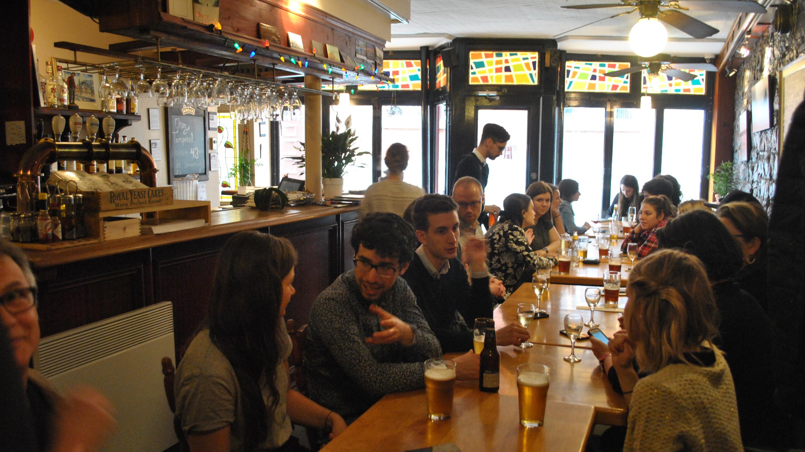 The Students at the Café Temporel