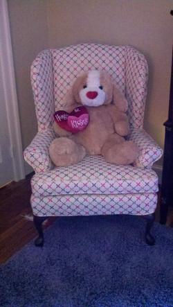 6-pinkchair-t-577x1024