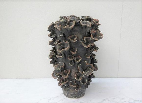 Black Lettuce Coral Vase