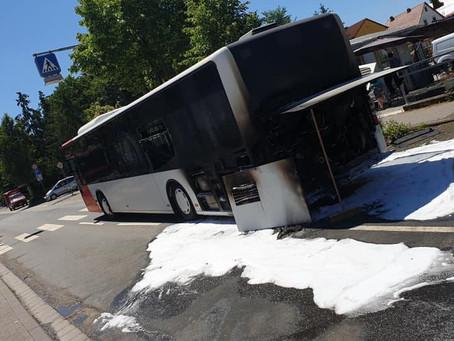 +++ Brennender Bus +++