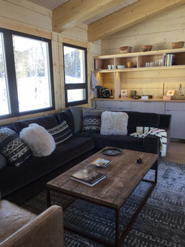 Private Cabin living room
