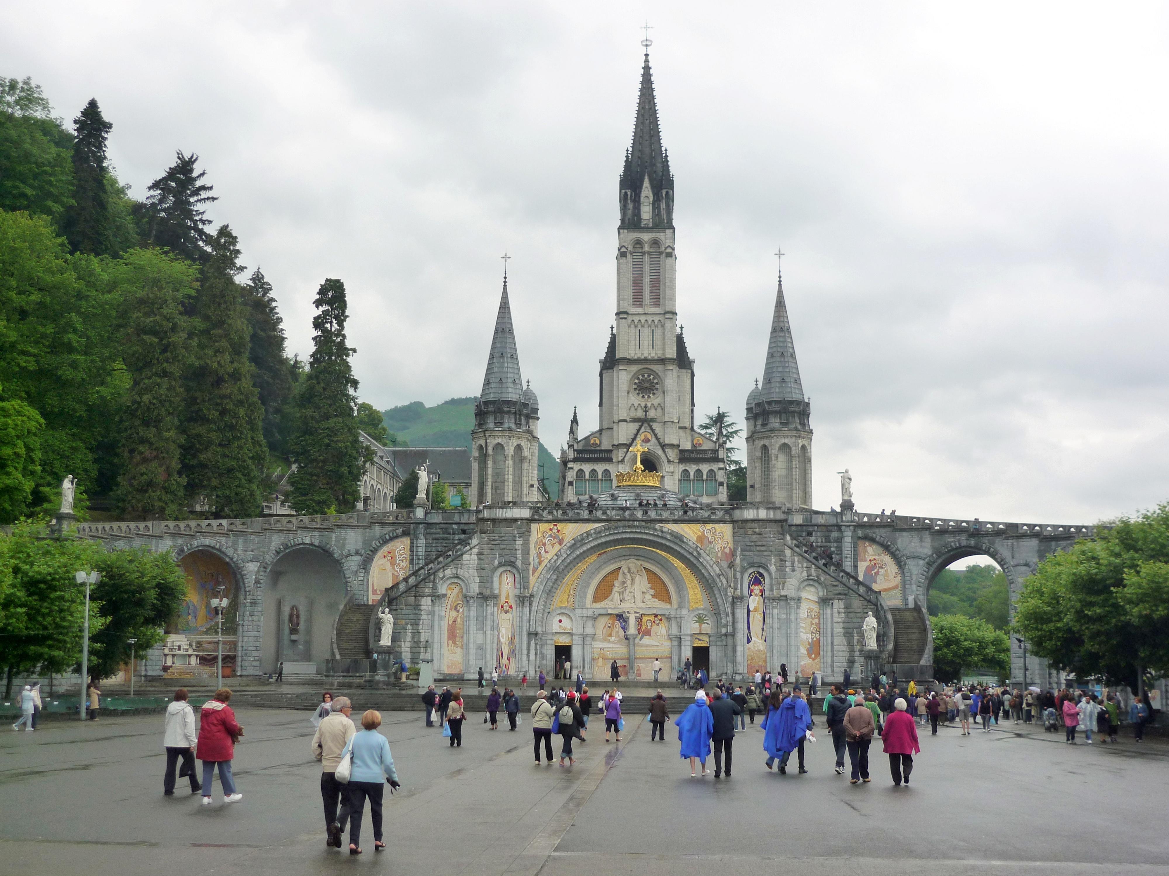 Lourdes_France_fronton_fc07