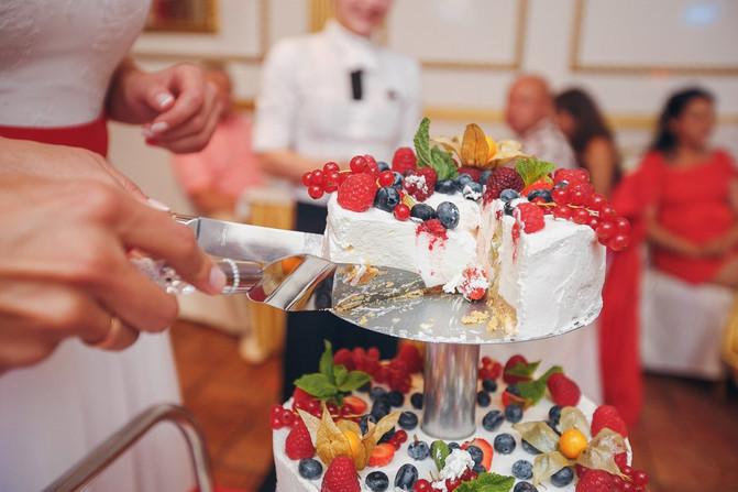 Свадебный торт от ресторана Amulet