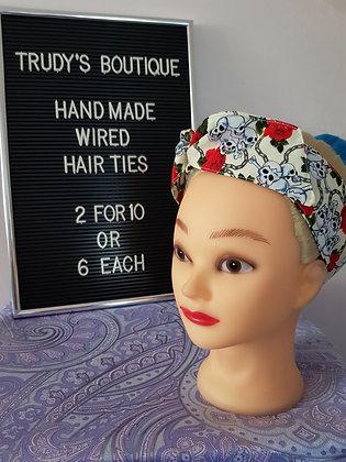 Skulls on Cream - Wired Hair Tie