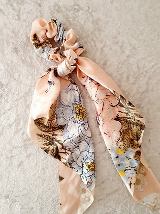 Long Tail Scrunchie Pink Floral